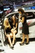 2012-geneva-motor-show-girls-2