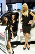 2012-geneva-motor-show-ladies_0