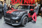 2012-geneva-motor-show-mini-girl