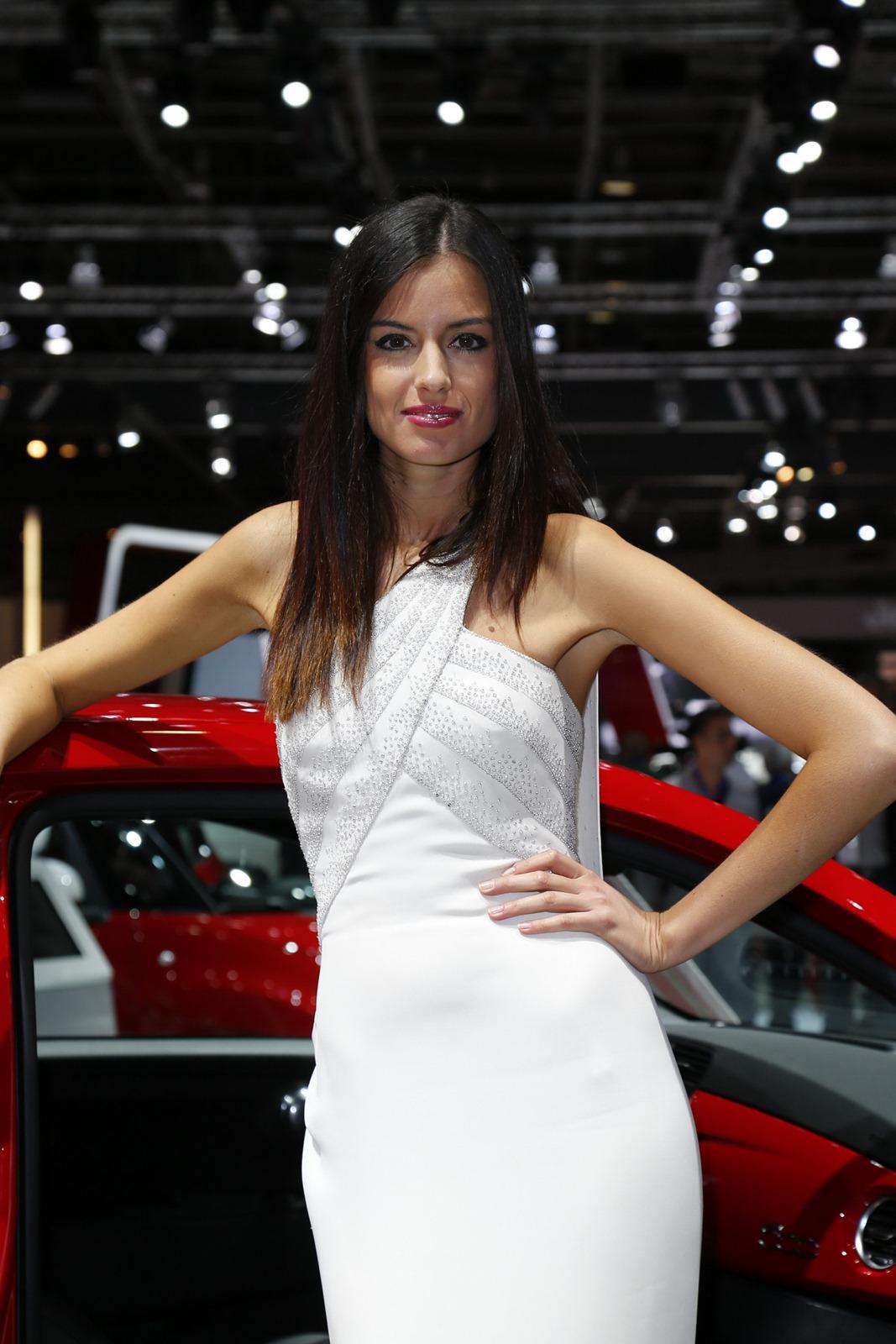 Dodge Latest Models >> Paris Motor Show Girls - AutoTribute