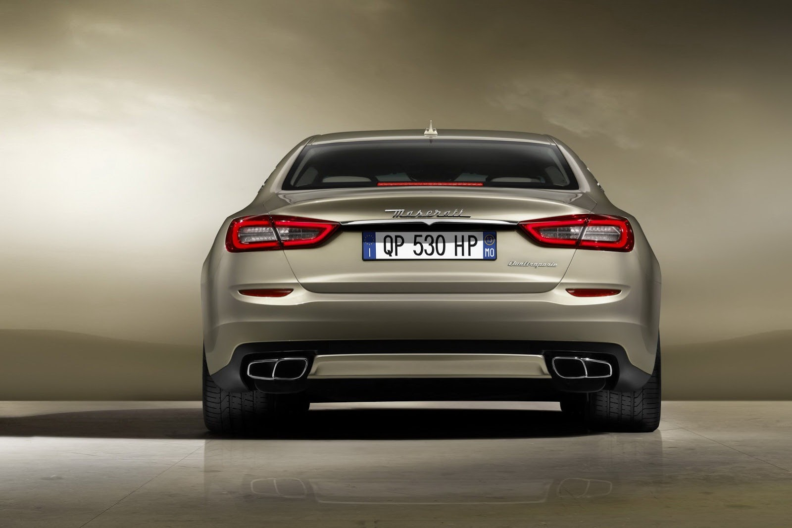 http://www.autotribute.com/wp-content/gallery/2013-maserati-quattroporte/new-2013-maserati-quattroporte-rear-view.jpg