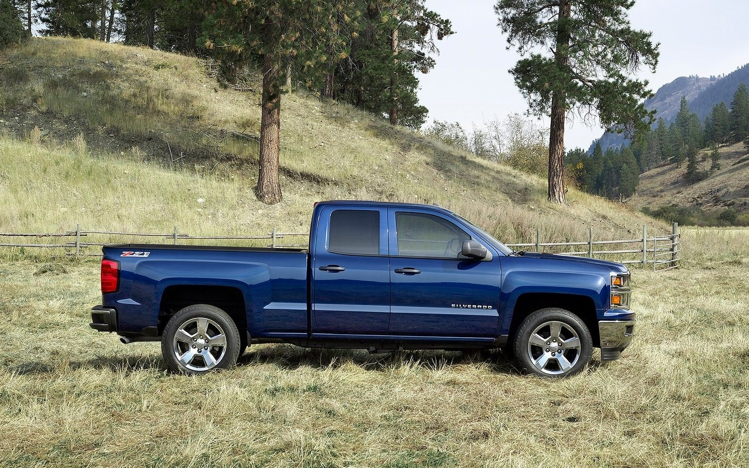 شيفروليه سلفرادو Chevrolet Silverado new-2014-chevrolet-silverado-side-view.jpg