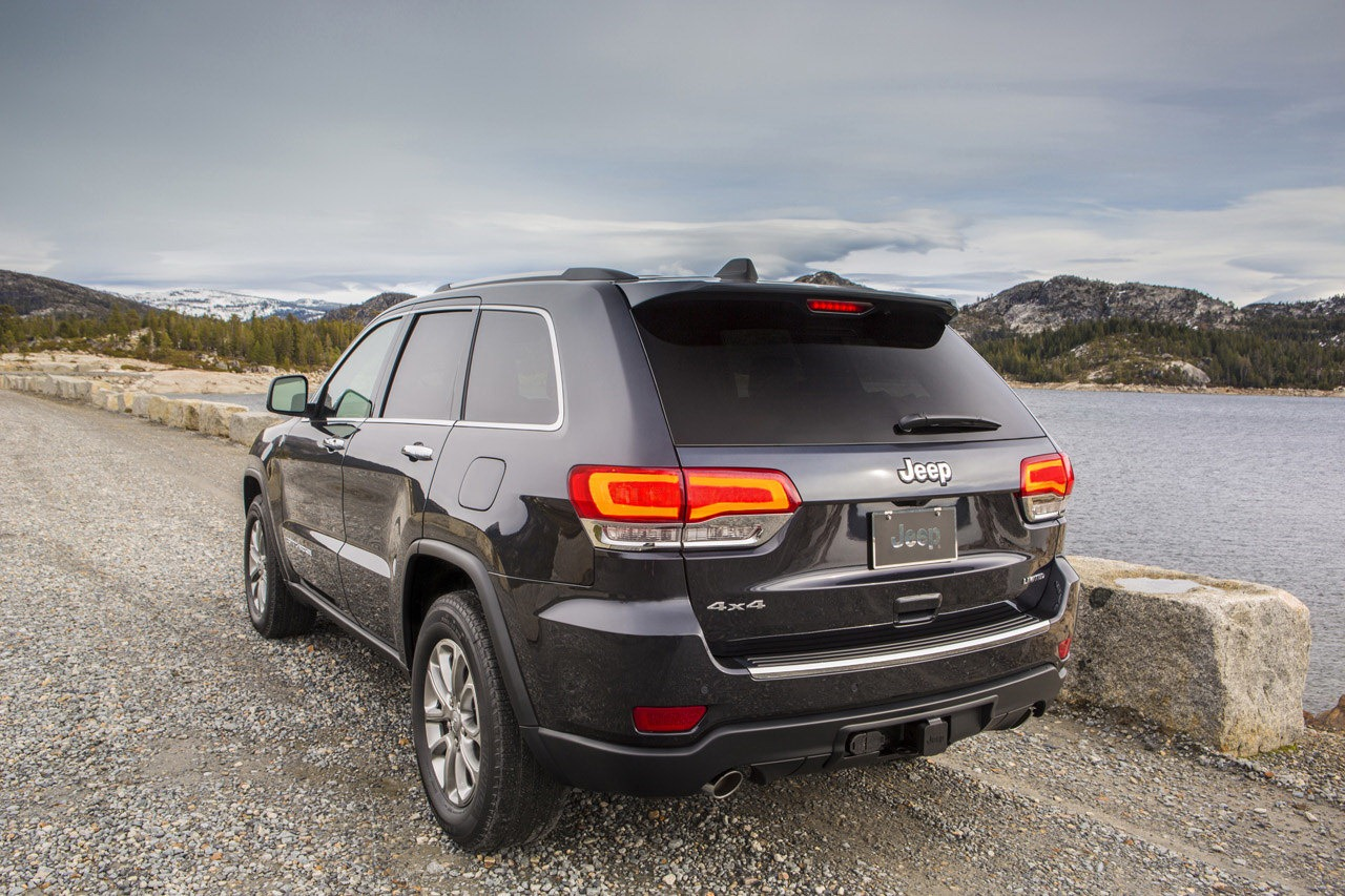 2014 jeep grand cherokee gets diesel engine photos and for Jeep with diesel motor