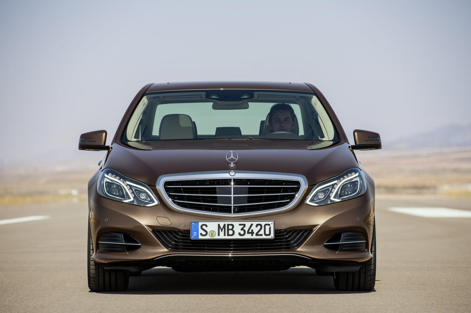 Updated 2014 mercedes benz e class photos and details for Mercedes benz e class models
