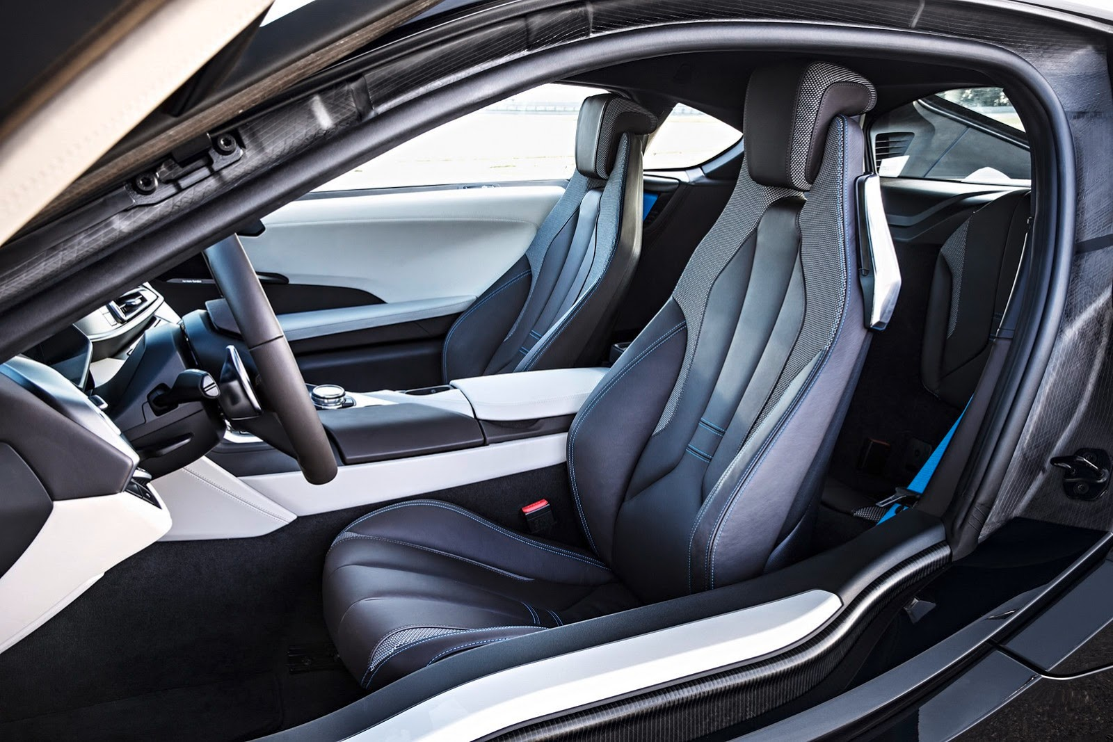 Bmw i8 plug in hybrid sports car pictures and details video for I 8 interior