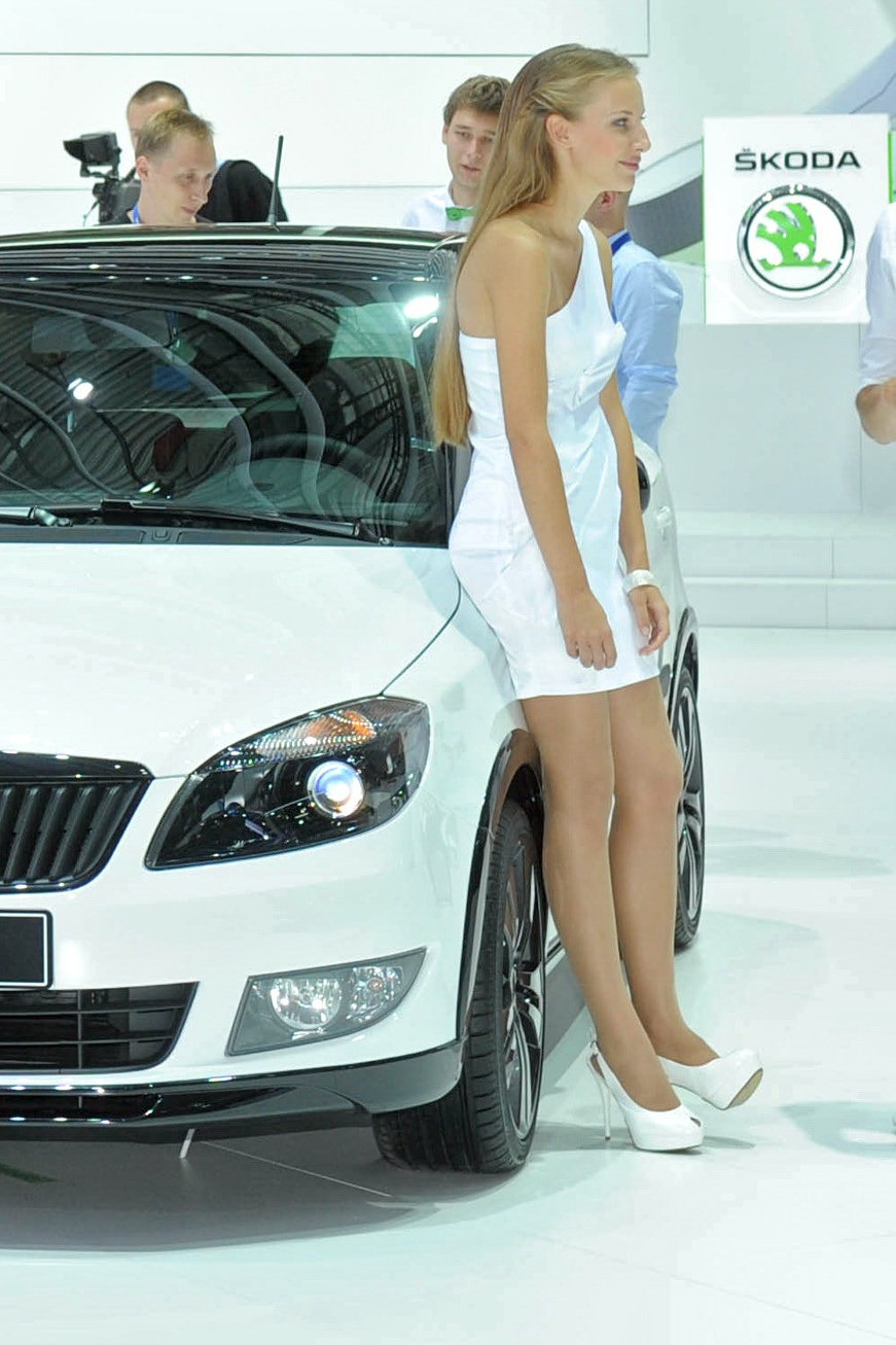 Girls of the moscow motor show autotribute - Auto motor show ...
