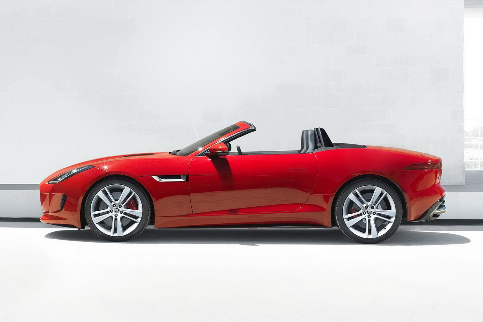 new 2013 jaguar f type roadster price starts at 69 000 autotribute. Black Bedroom Furniture Sets. Home Design Ideas