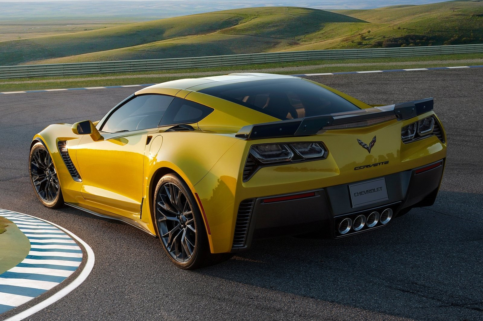 chevrolet corvette z06 stingray c7 autotribute. Black Bedroom Furniture Sets. Home Design Ideas