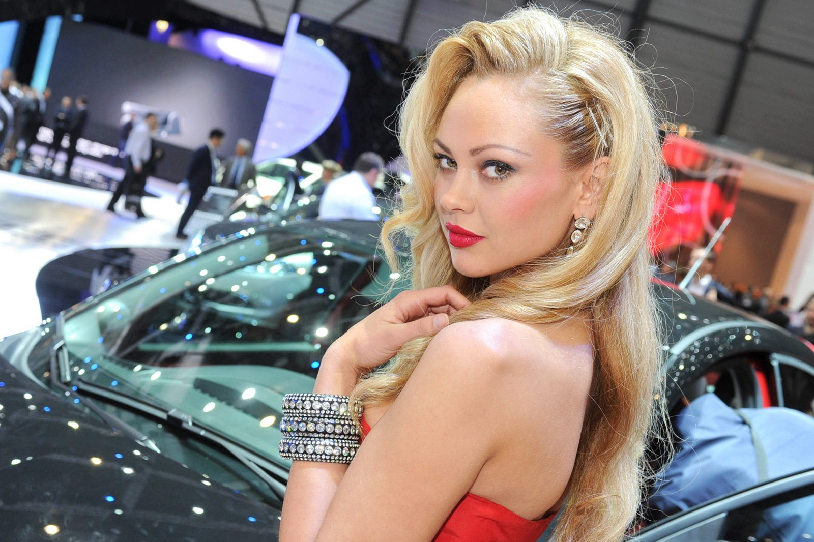 Genesis Sports Car >> 2012 Geneva Motor Show Girls - AutoTribute