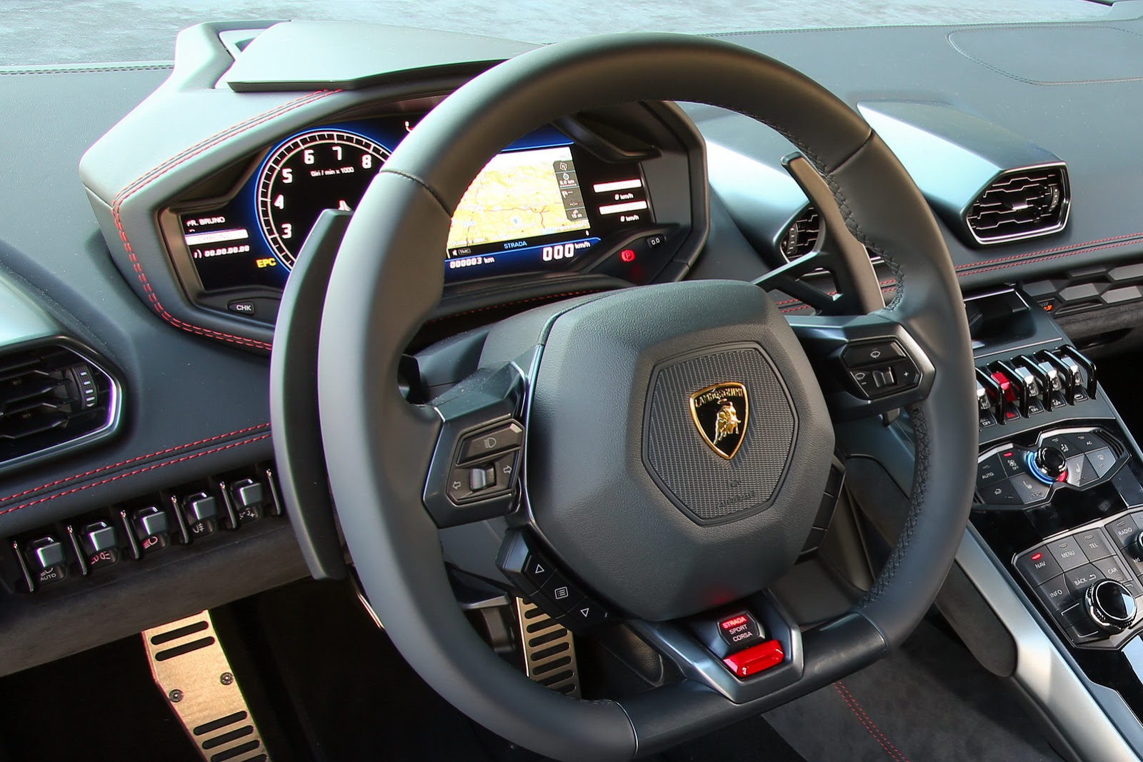 lamborghini huracan supercar pictures details video. Black Bedroom Furniture Sets. Home Design Ideas