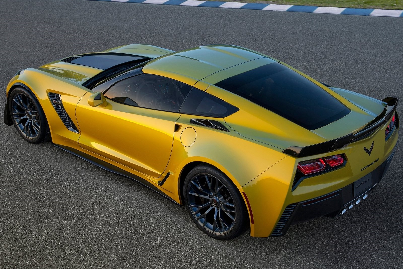 Chevrolet Corvette Z06 Stingray (C7) - AutoTribute