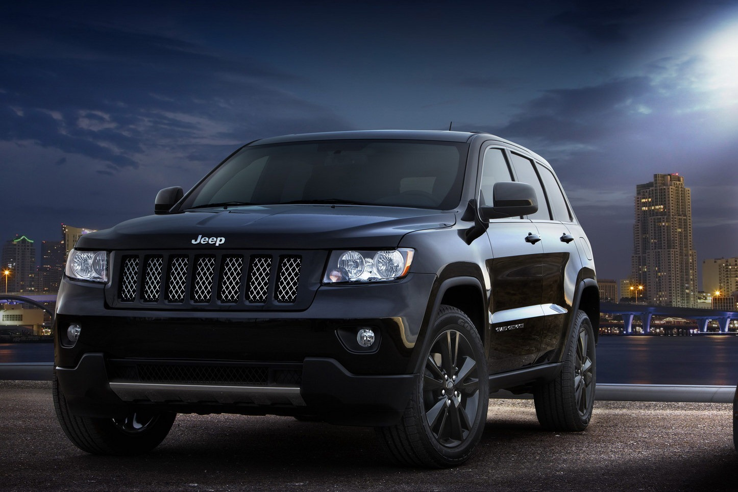Stealthy Jeep Grand Cherokee Special Edition