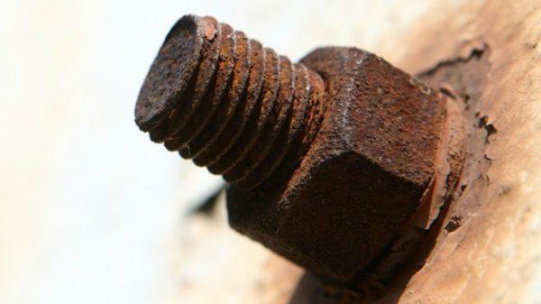 Best Penetrating Oil-Rusted Bolt